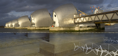 ActiveEnergy:Geezerpower, Visual of Thames Barrier turbines ...