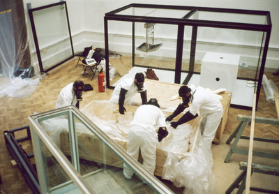 Installation of Damien Hirst's 'This Little Piggy Went to Ma...