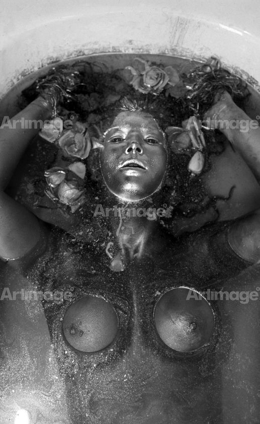 Enlarged version of Ophelia 05, 1974