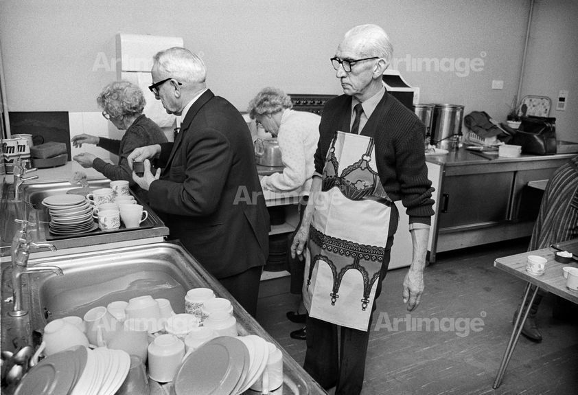 Enlarged version of Home Counties Suburbia: Civil Service Retirement Fellowship slideshow, Orpington, Kent, 1985