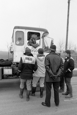 Pickets at the Coalite Plant, Grimethorpe talking to a lorry...