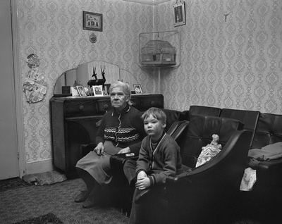Mrs Allan with grandson Darren, Mason Street, 1974