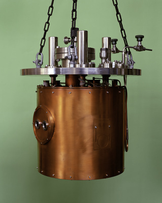 Low Temperature Cryostat, Deep Blue Series, 1997 By Peter Fraser