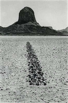 Sahara Line, 1988 By Richard Long